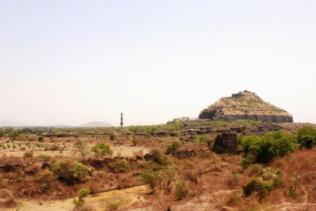 ダウラタバード城砦の全景