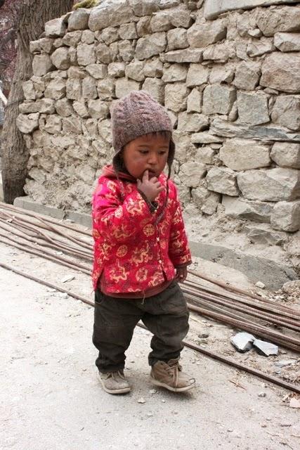 スクルブチャン村の子供
