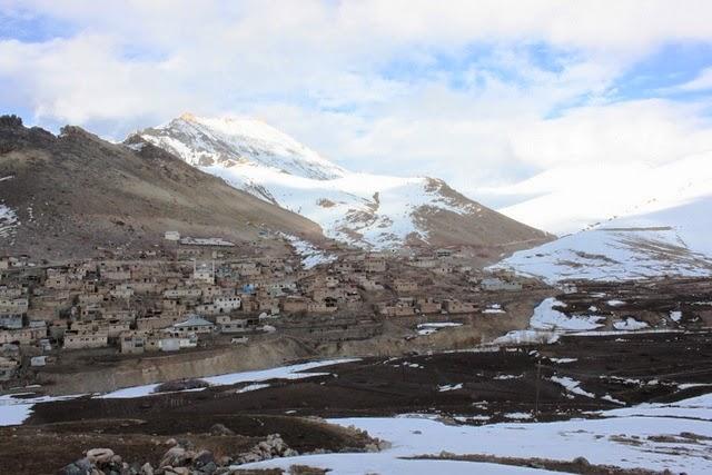標高3,700メートルぐらいに位置するラルン村