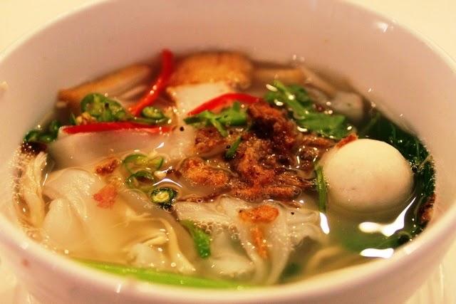 これ美味しい!2種類からマレーシアの屋台風ラーメンが食べれる。