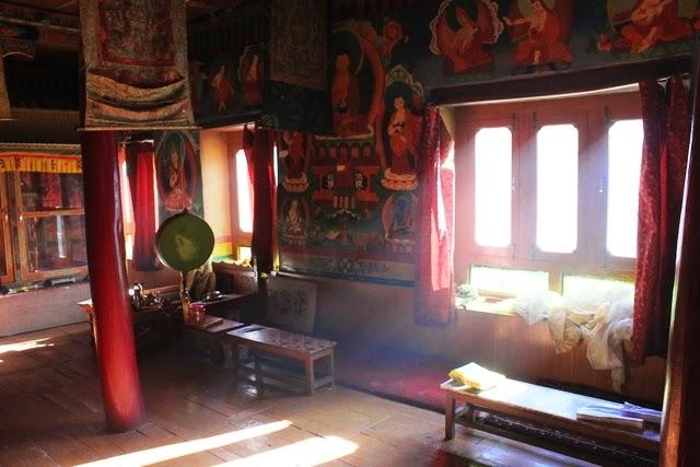 僧院の中の部屋