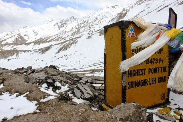 スリナガル・レー・ロードでは一番標高が高いと 知らせる標識