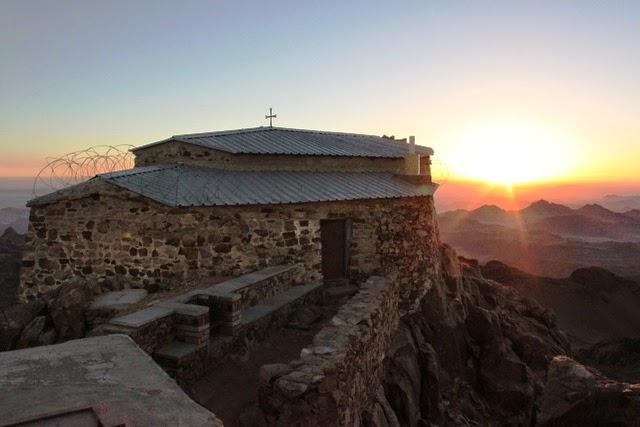 教会と太陽