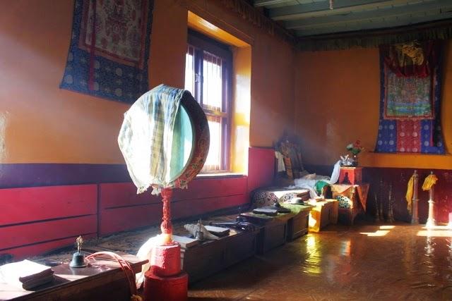 途中の仏教僧院