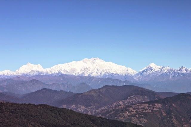 世界第3高峰のカンチェンジュンガ山かこんな雄大に!