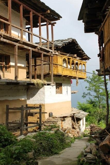 バフ村の家々