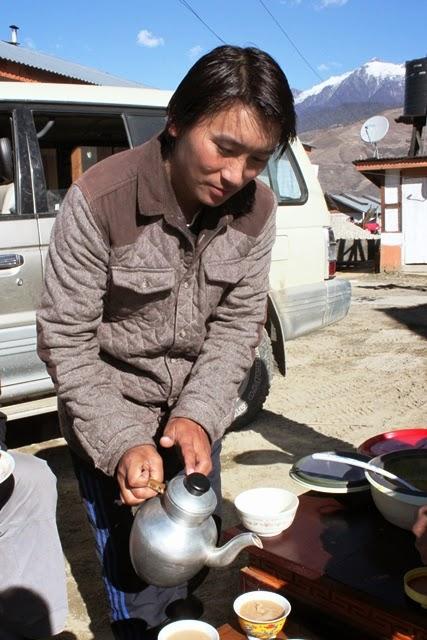 チベット文化圏では欠かせないバターティー