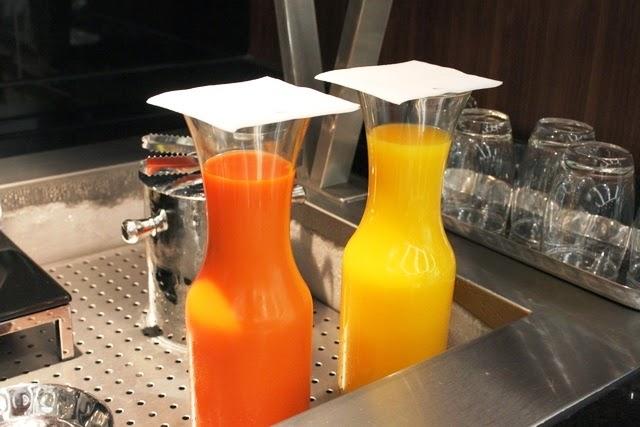 100%キャロットとオレンジジュース
