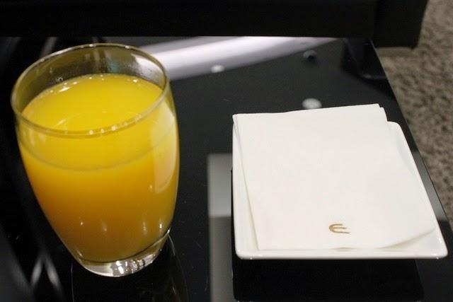 オレンジジュースを頂く事に