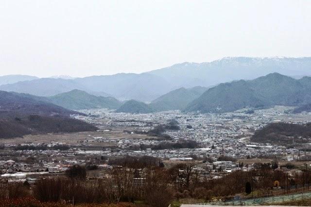 上田市近郊の丘から眺める景色