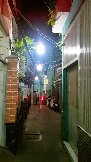 映画のジオラマの様に綺麗なホーチミン市内の裏路地