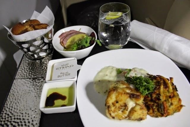 ダックの前菜と洋風ナイルパーチのメイン