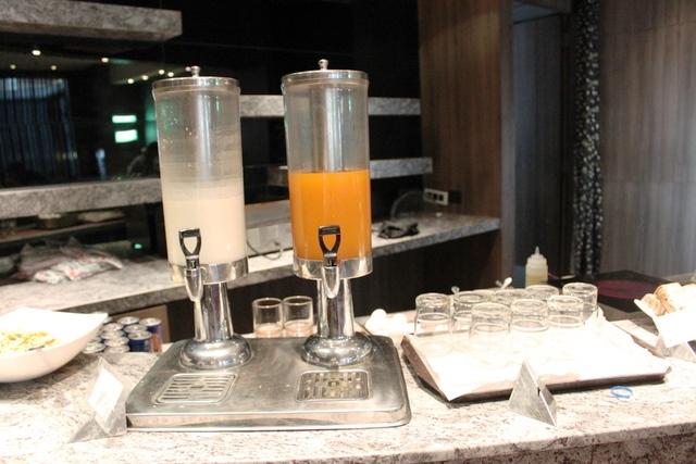 牛乳とジュース
