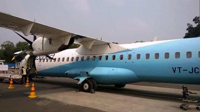 格好良いプロペラ機(ATR 72-600)