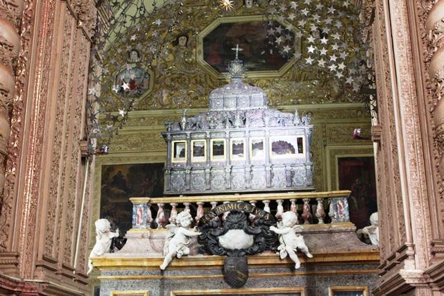 これが聖ザビエルの遺体が入った棺!