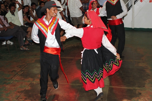 ゴア伝統ダンスの披露