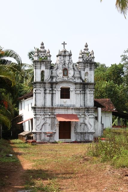 村の古い教会