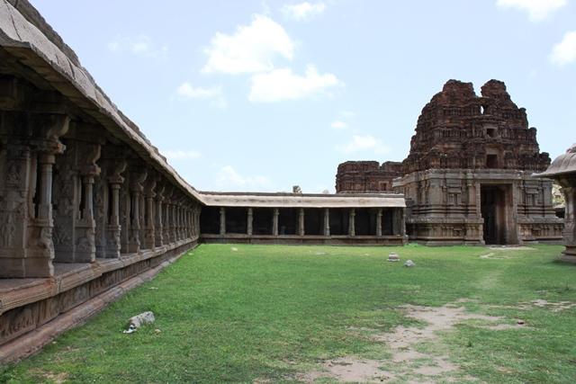 アチュータラーヤ寺院