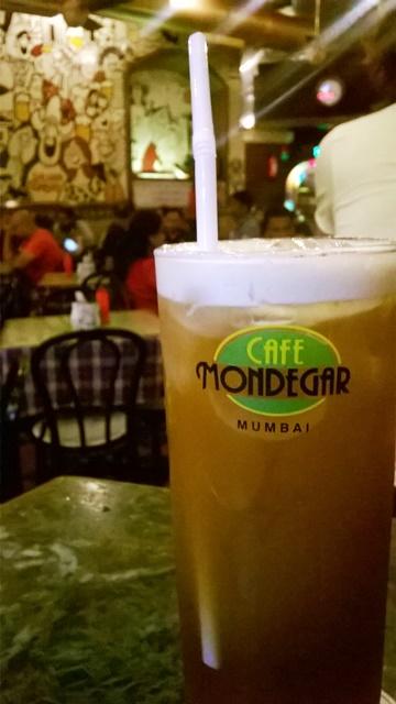 カフェのアイスティー