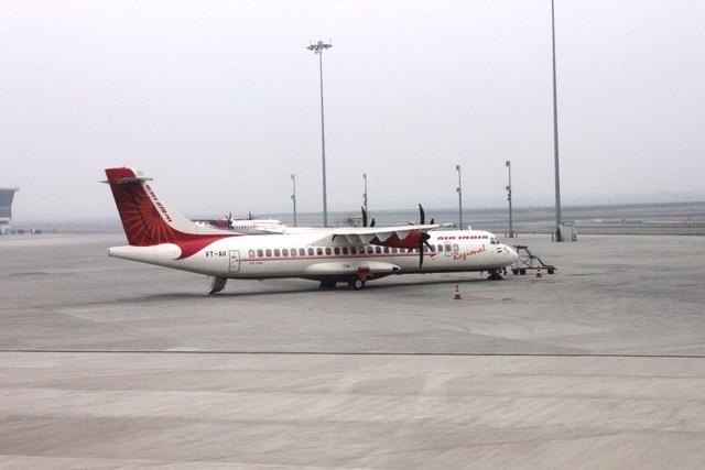 プロペラ機ATR