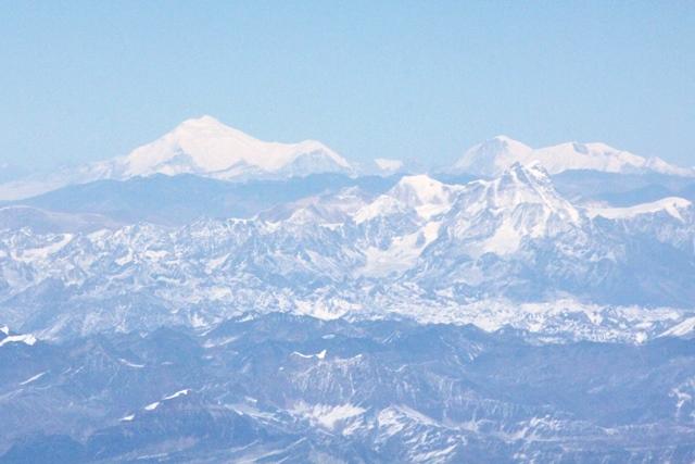 ブータンとチベットの高峰です