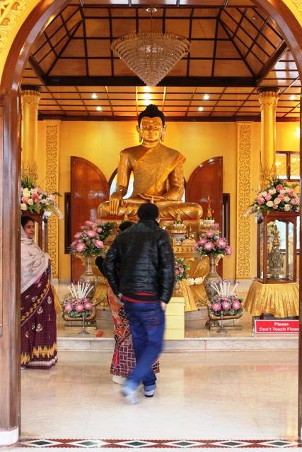 ゴールデン・パゴダ内の仏陀の像
