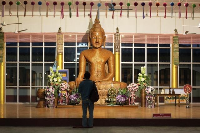 竹でできた仏陀の像