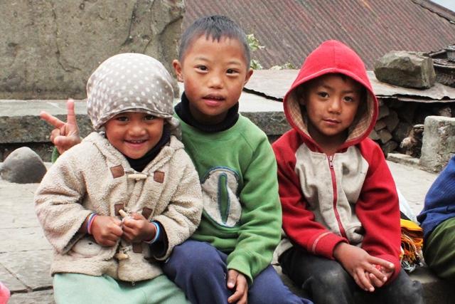 ナガランド 観光:村の子供たち