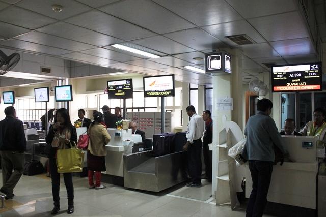 インパール空港チェックインカウンター