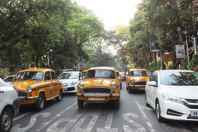コルカタ タクシー
