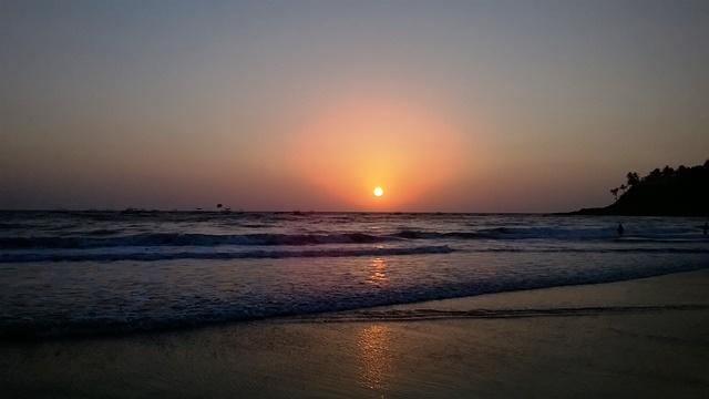 バガ・ビーチの夕焼け