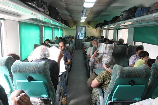 インド 特急列車