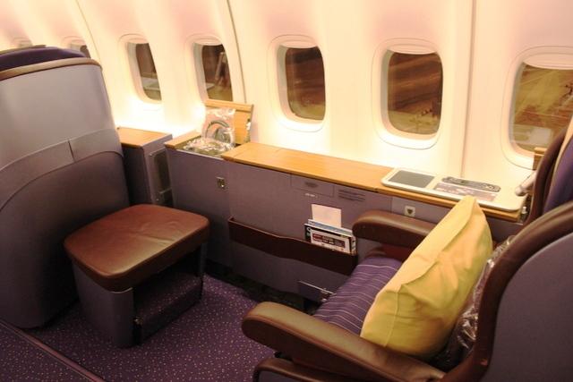 タイ国際航空のファーストクラスシート