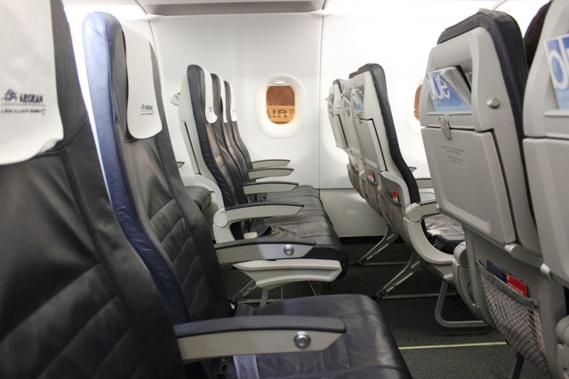 エーゲ航空 エコノミークラス:がら空きの座席