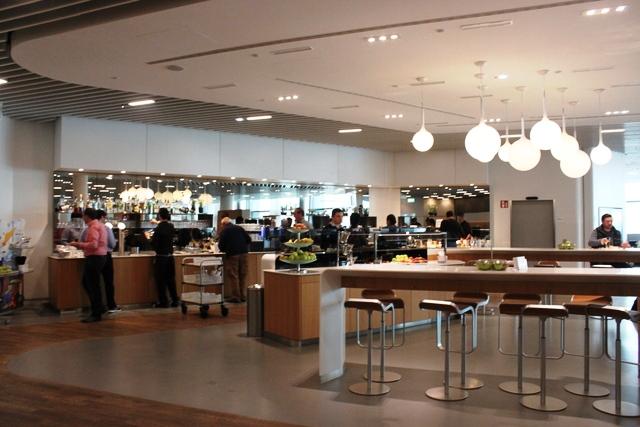 フランクフルト空港 ルフトハンザ ビジネスクラス ラウンジ:Zゾーンのビジネスクラスラウンジ内