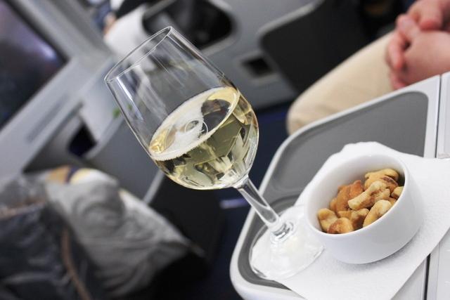 シャンパンとナッツ