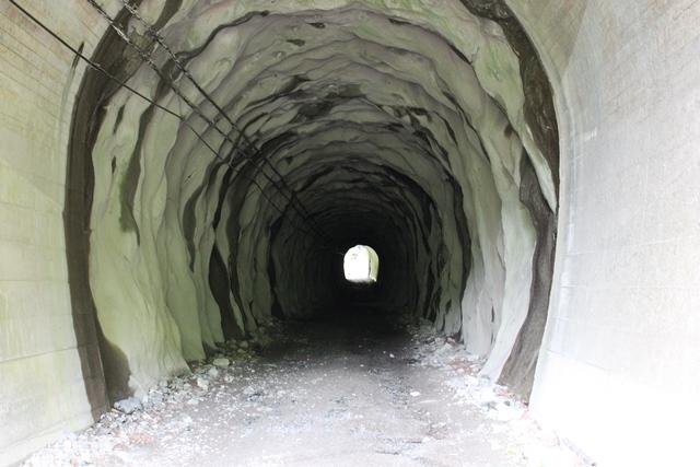 更にまたトンネル