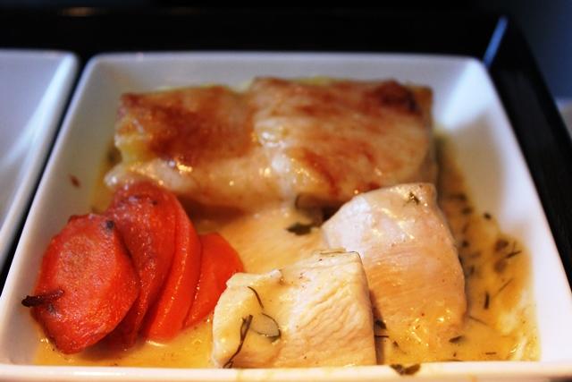 メインの鶏肉とグラタン