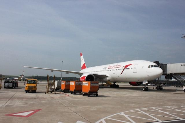 オーストリア航空B777-200ER機