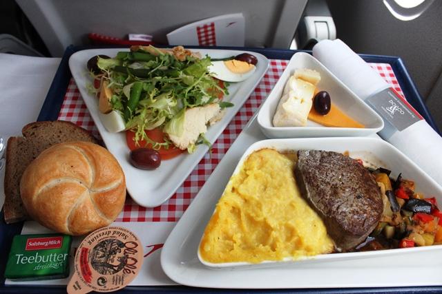 オーストリア航空 A319 ビジネスクラス:ランチ