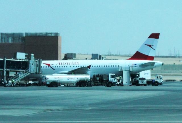 乗ってきたオーストリア航空機