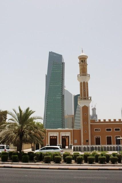 モスクとビル