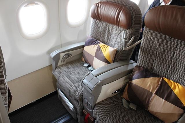 エティハド A320 ビジネスクラス:僕のシート2F