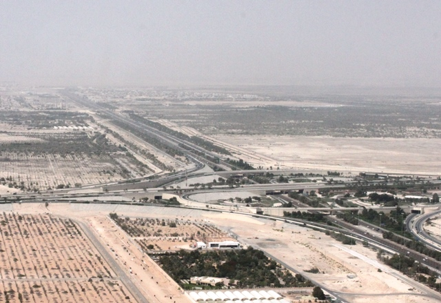 アブダビ空港付近