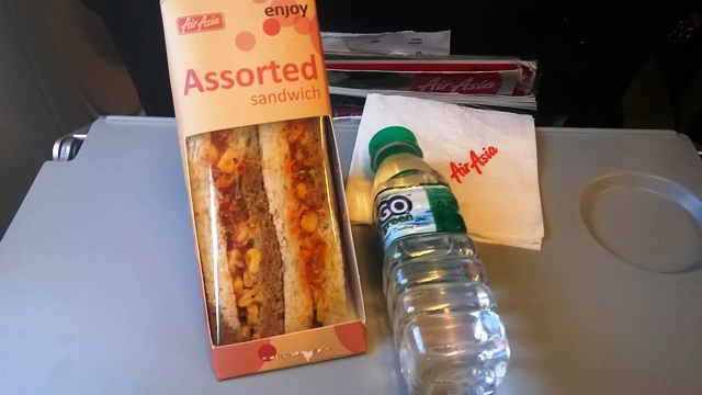 エアアジア 機内食 美味しい:ベジサンド