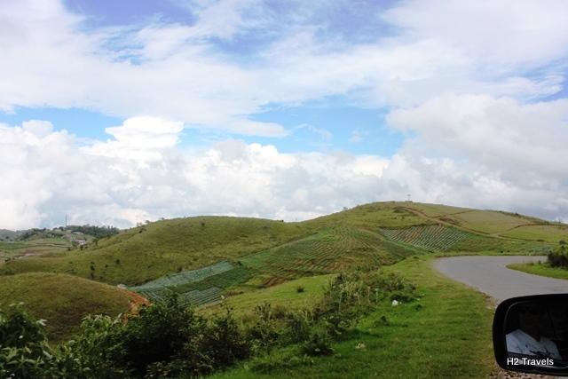 メガラヤ 旅行:とある渓谷へ向かう道