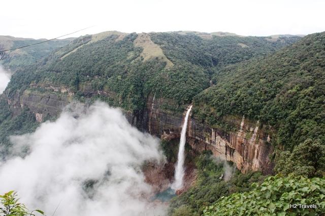 チェラプンジ 観光:ノーカリカイの滝