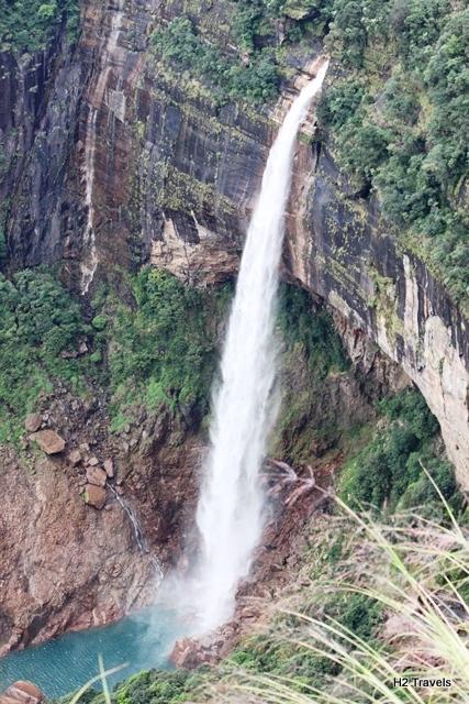 ノーカリカイの滝