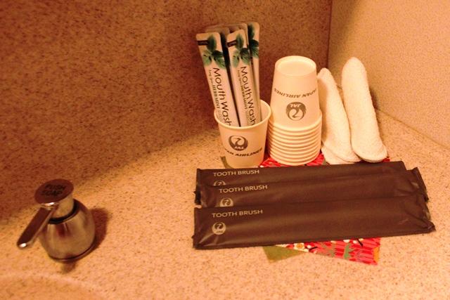 歯ブラシとマウスウォッシュ