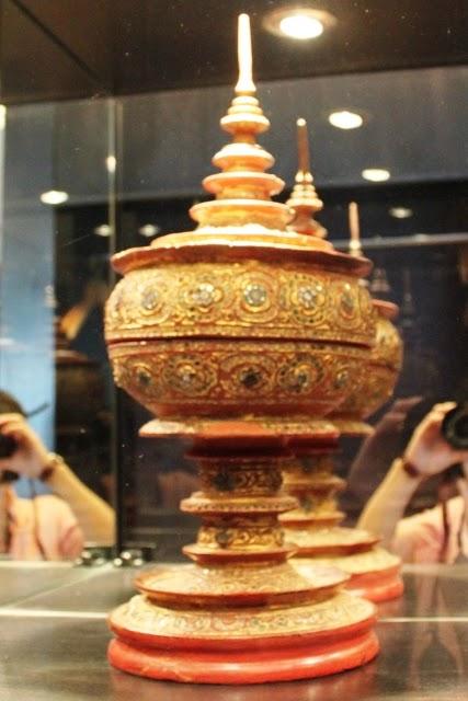 タイの民芸品ディスプレイ